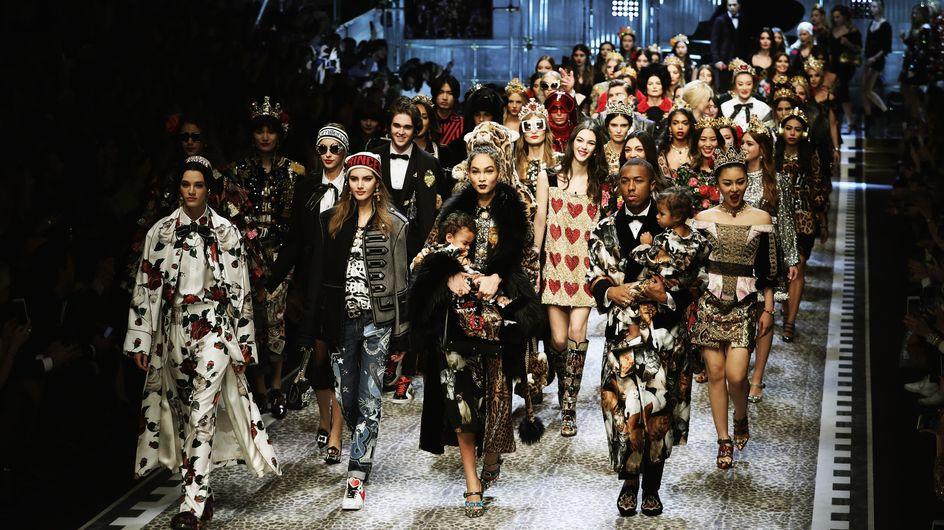 Plutôt qu'au premier rang, Dolce & Gabbana invite les stars sur son podium (Photos)