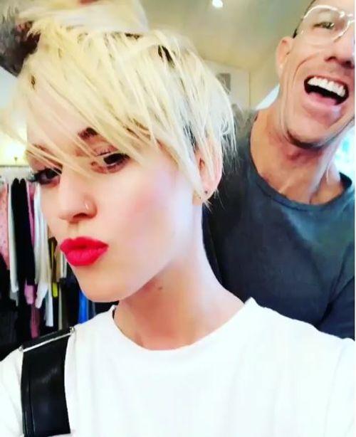Krasse Typveranderung Katy Perry Prasentiert Sich Mit Kurzen Haaren