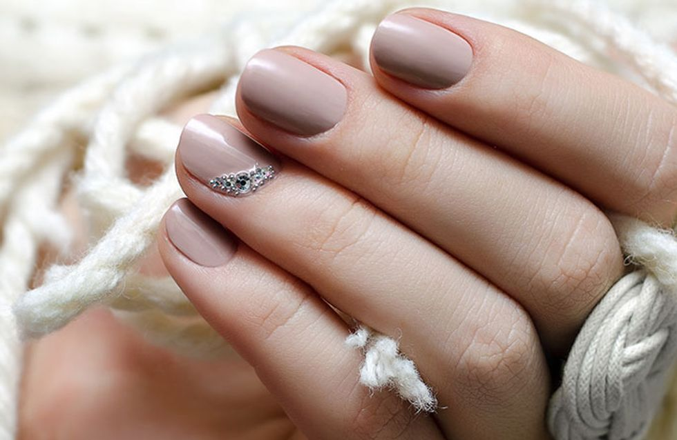 Manicure minimalista? Tá na mão, amiga