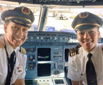 Stephanie Johnson et Dawn Cook, les premières femmes afro-américaines à piloter un avion