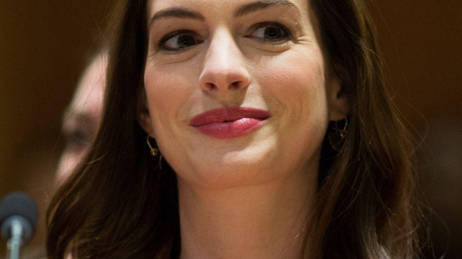 ¡Crianza compartida!: el emocionante discurso de Anne Hathaway sobre el permiso paternal