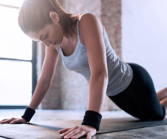 Brustmuskeln trainieren & Dekolleté straffen: Die 5 besten