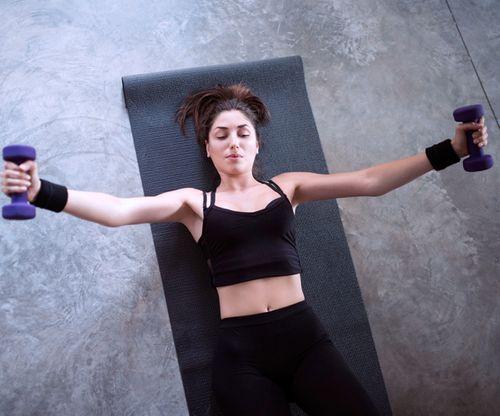 Größere brustmuskel brust frau trainieren Eiweiß größere