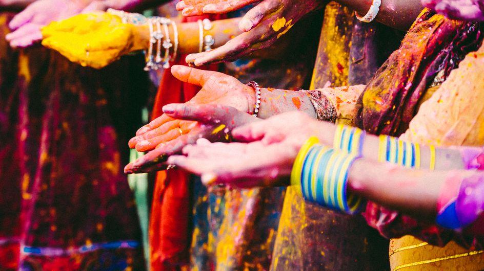 """A New Delhi, des étudiantes enfermées """"pour la bonne cause"""" lors de la fête des couleurs"""