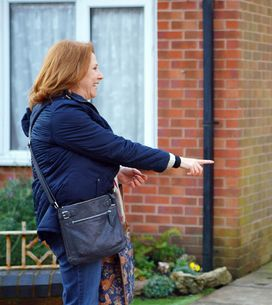 Coronation Street 29/03 - Rosie's Torn Between Job Offers