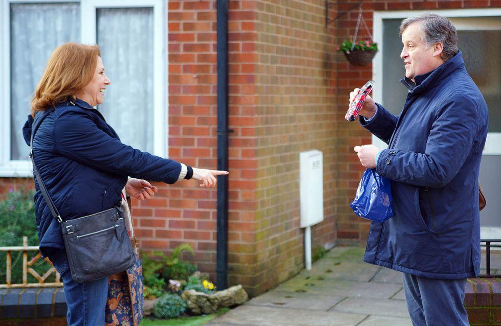 Coronation Street 29/03 - Rosie's Torn Between Job Offers