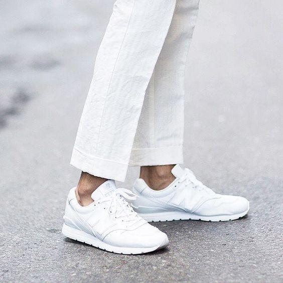 4 astuces géniales pour rendre ses chaussures blanches comme