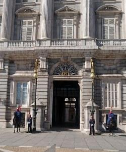 Obligatorisch: Der Besuch beim Königspalast.