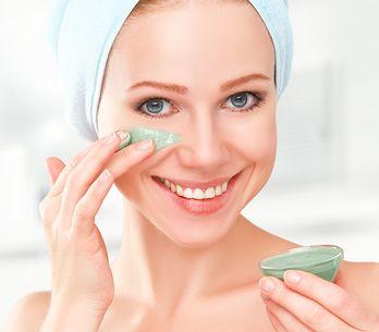 Step by step: i 5 gesti per la pulizia del viso fai-da-te