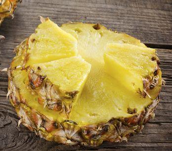 La dieta dell'ananas: menù, pregi e difetti della dieta disintossicante che dura