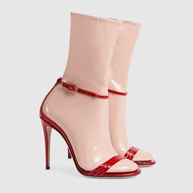 Sandales avec chaussette amovible en latex