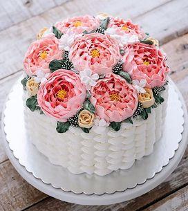 50 tartas con flores para llenar tu mesa de color