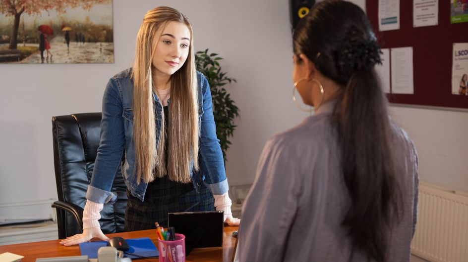 Hollyoaks 04/04 - Peri Plays New Girl Yasmine At Her Own Game