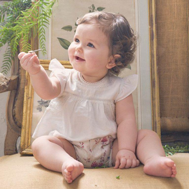 dd0cd1a5b ¡Nos vamos de bautizo! Aquí tienes un shopping con los mejores vestidos para  tu bebé