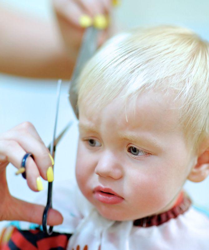 Haare schneiden bei Babys ist nicht zwingend notwendig.
