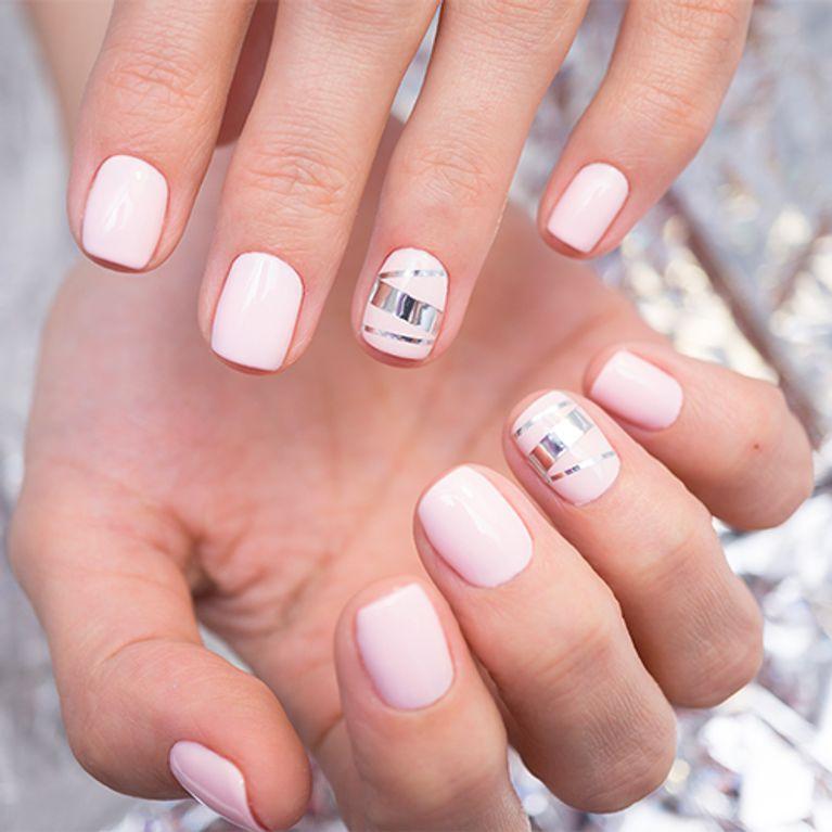 Smalto per unghie corte i colori e le texture più indicate per  valorizzarle!