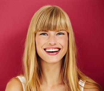Frangia per la Marcuzzi: il nuovo taglio di Alessia omaggia uno dei trend capell