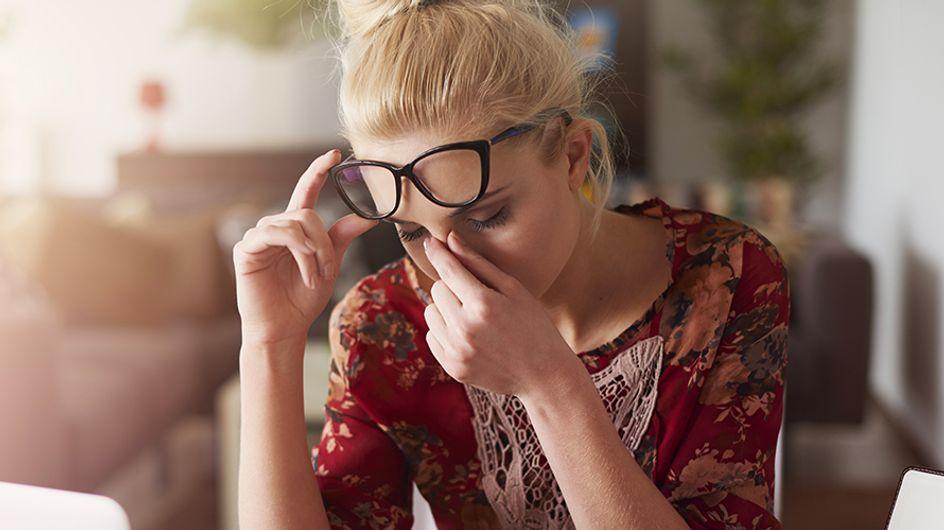 Mal di testa da ciclo: le cause principali e le soluzioni per prevenirlo e combatterlo