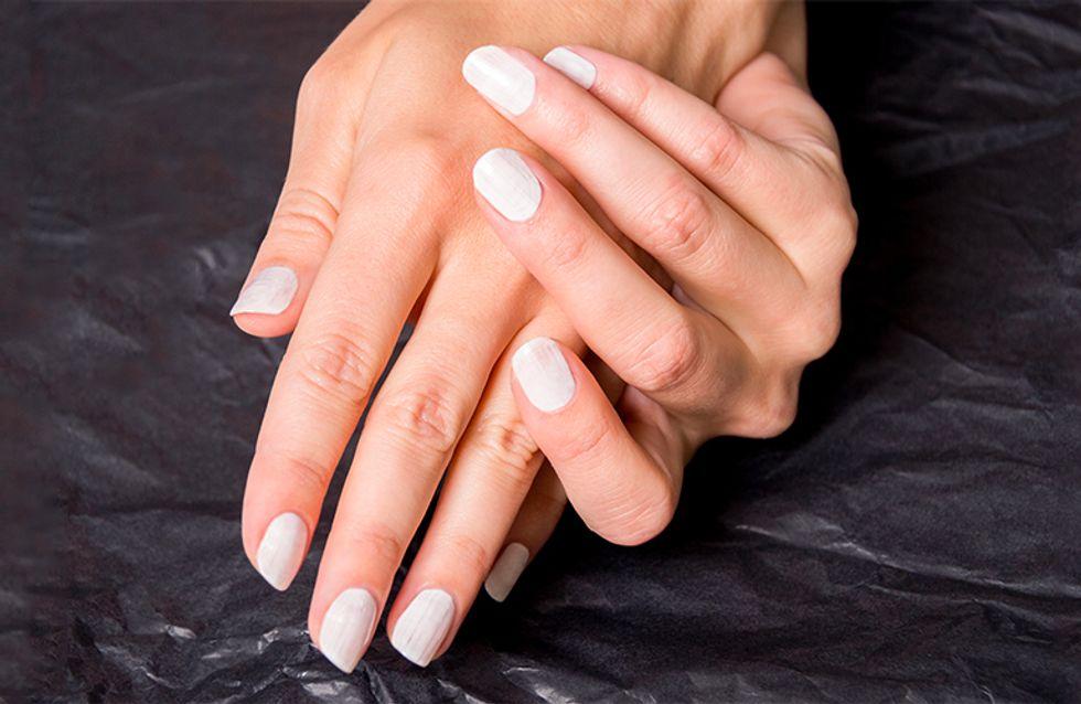 Unghie color carne: nail art nude e smalto trasparente restano sempre la tendenza più chic