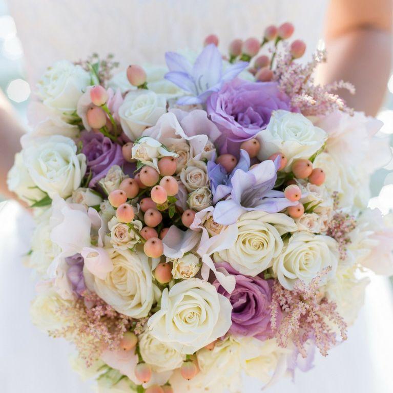 Bouquet Glicine Sposa.Bouquet Sposa Sceglierlo In Base Al Significato Dei Fiori