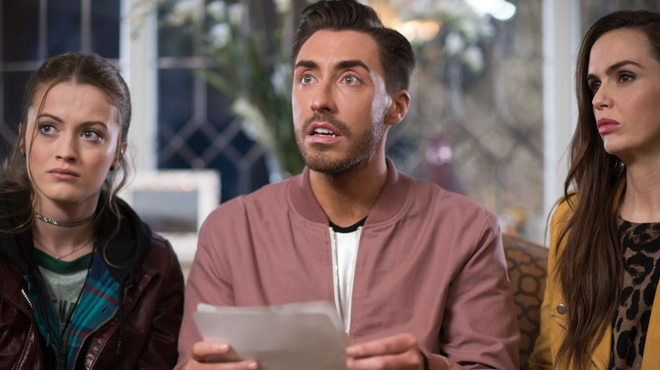Hollyoaks 13/04 - Scott Thinks He May Have Found A Picture Of His Dad