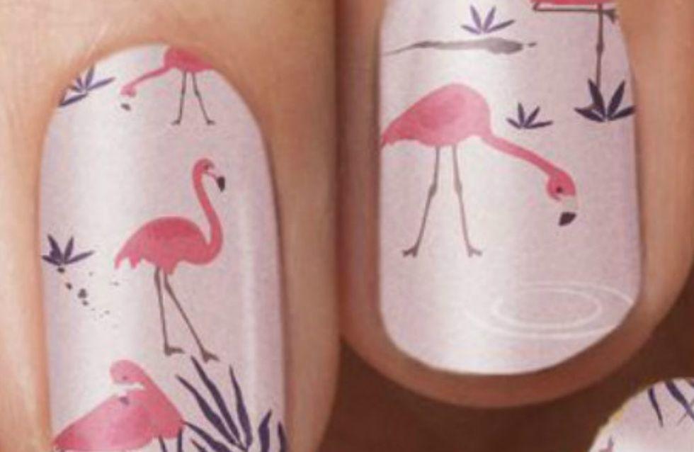 Impossível não se apaixonar pelas nail arts de flamingos