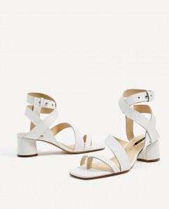 Sandales blanches, Zara : 59,95 euros