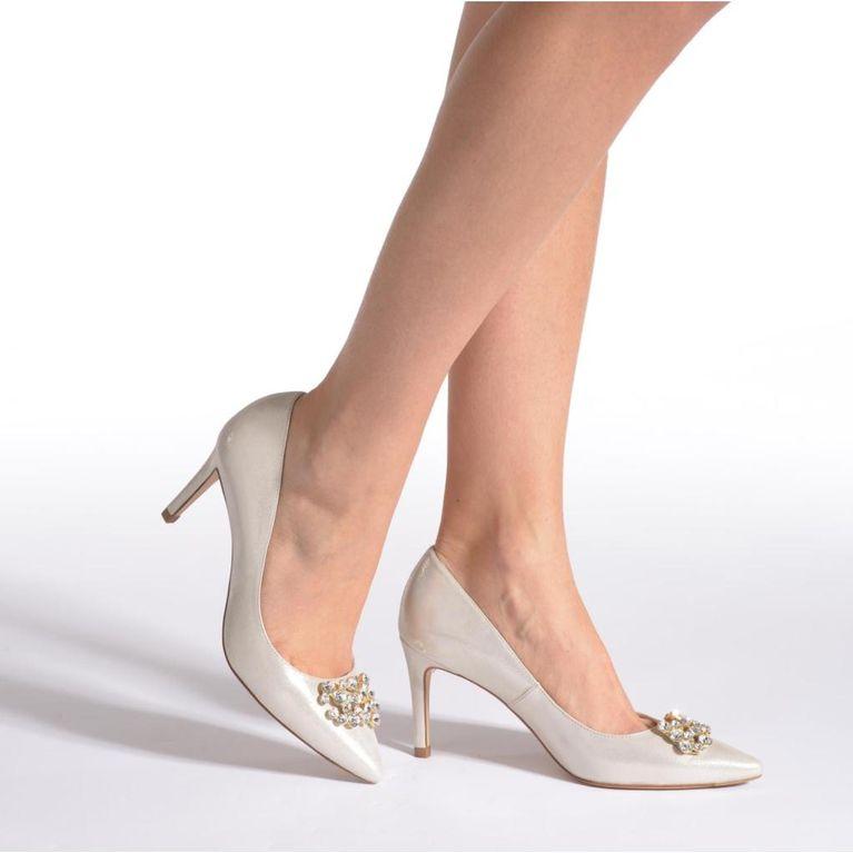 7ccfe1fc6450 Chaussures blanches : comment bien choisir ses chaussures de mariée