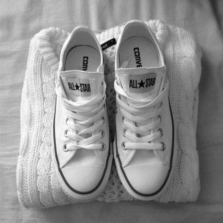 b631474eab0 Como limpar tênis branco  4 dias caseiras para deixá-los novos
