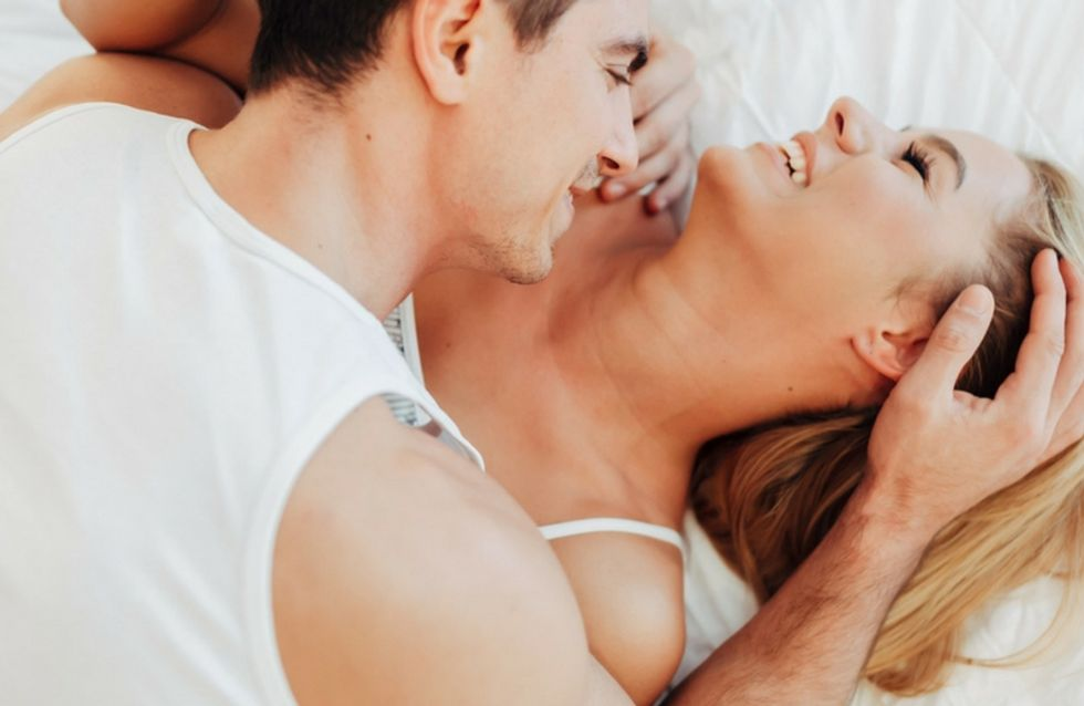 Le posizioni migliori per fare l'amore a letto: dal missionario al cucchiaio, via libera alla fantasia!