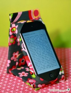 Fabriquez un support pour smartphone à décorer avec du masking tape