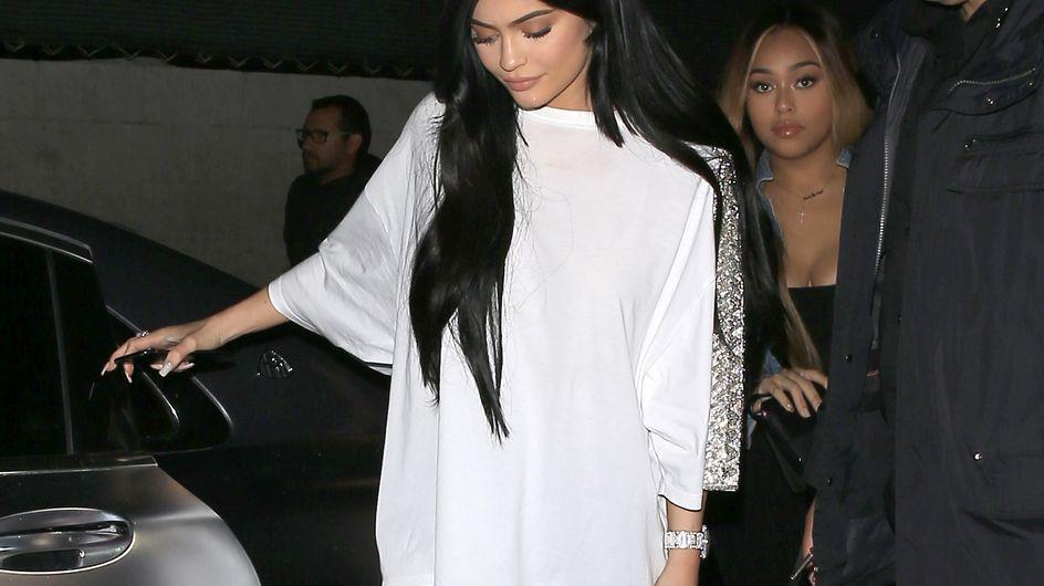 Kylie Jenner y sus botas propias de Semana Santa, peor look de la semana