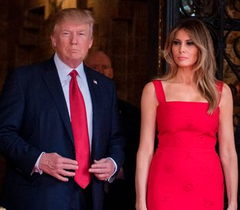 Melania Trump raccourcit sa robe Valentino pour la venue du président chinois (P