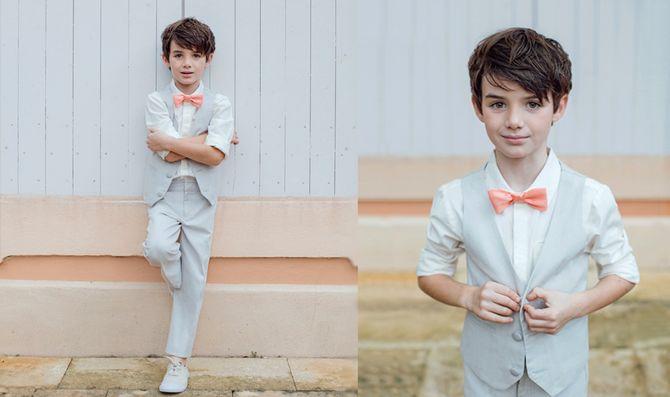 Une tenue grise et orange pour un garçon d'honneur au top de la tendance