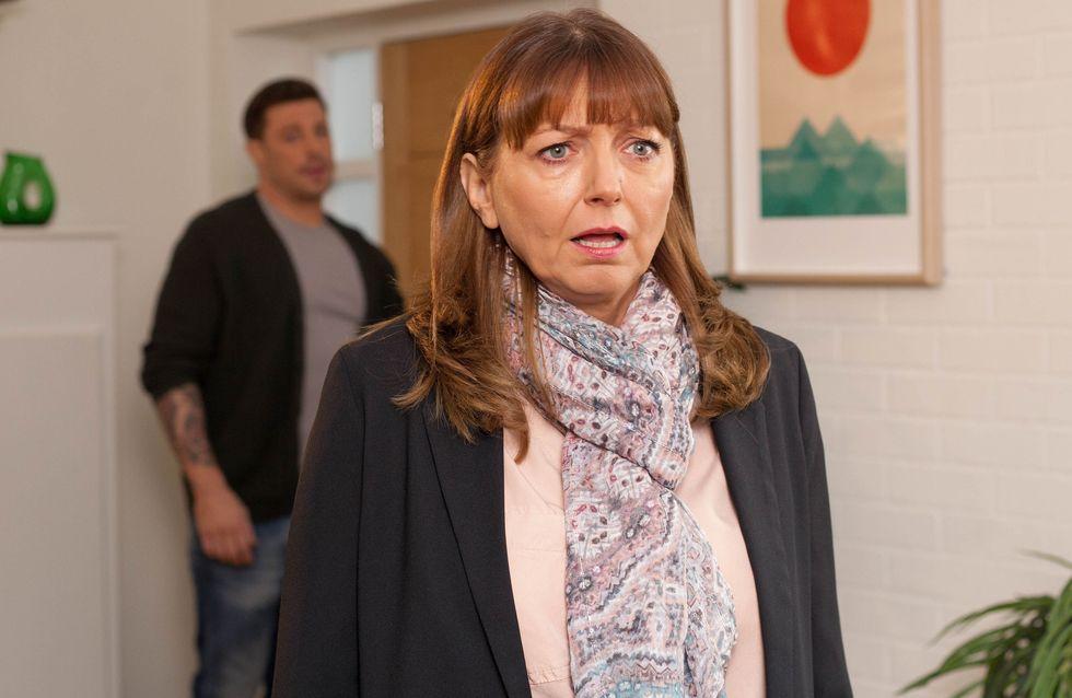 Hollyoaks 24/04 - Kathy Barnes Returns