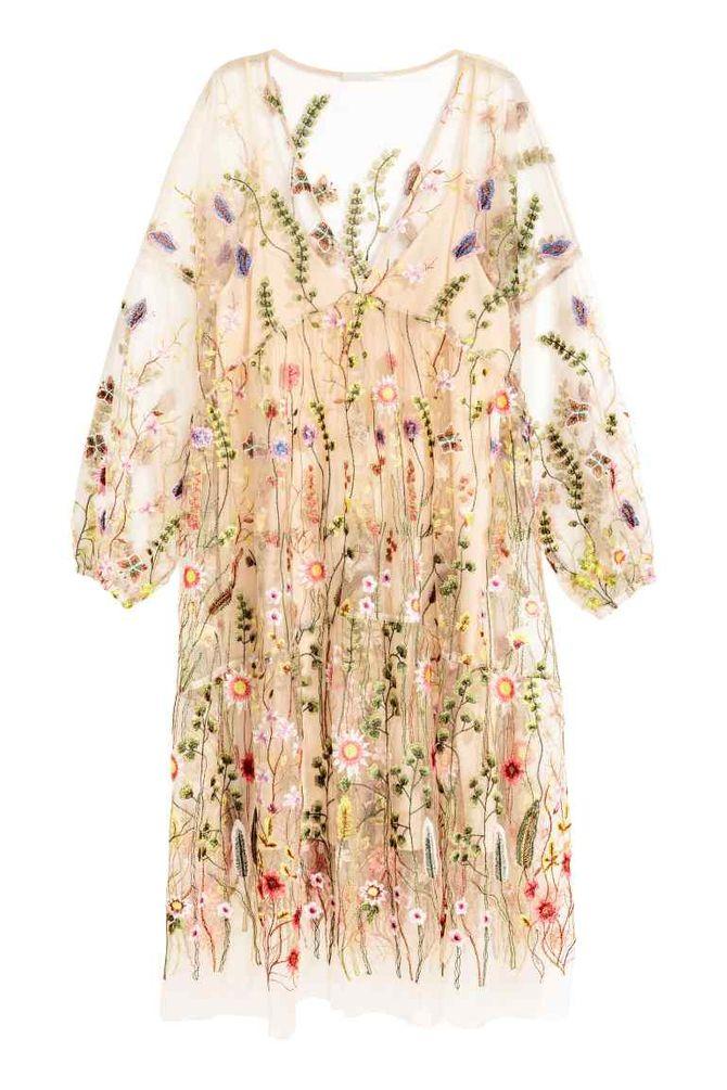 La robe brodée H&M, 79.99 euros