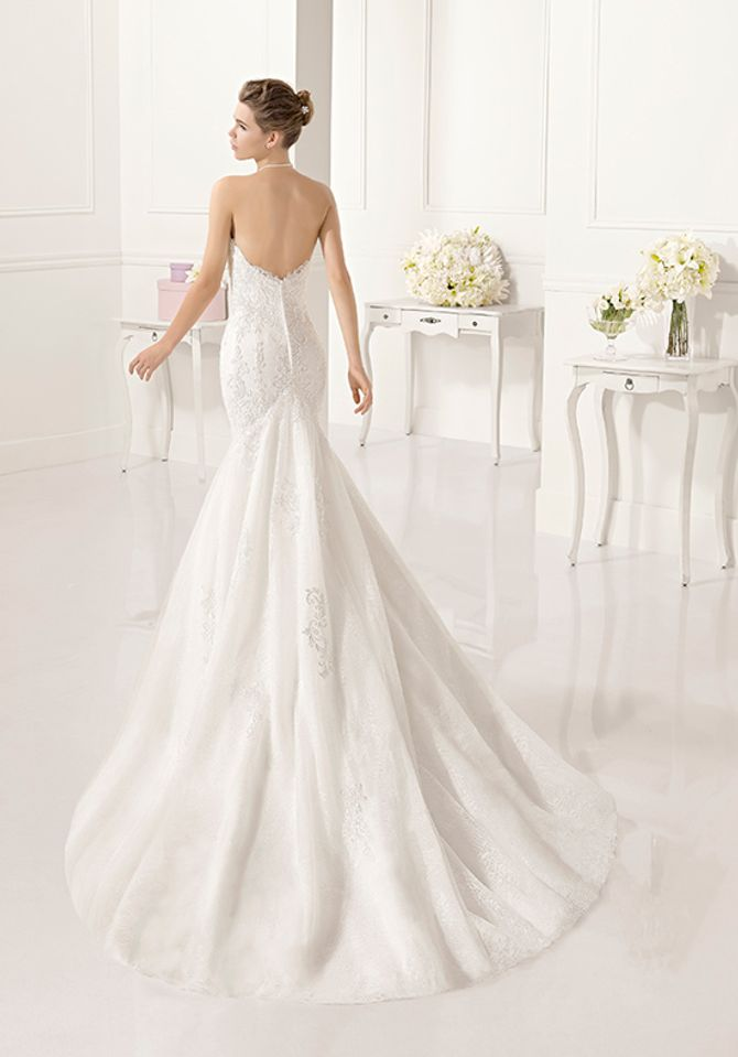 Robe de mariée en dentelle, Adriana Alier