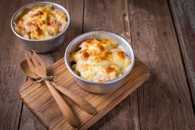 Gratinado de patatas, manzana y queso