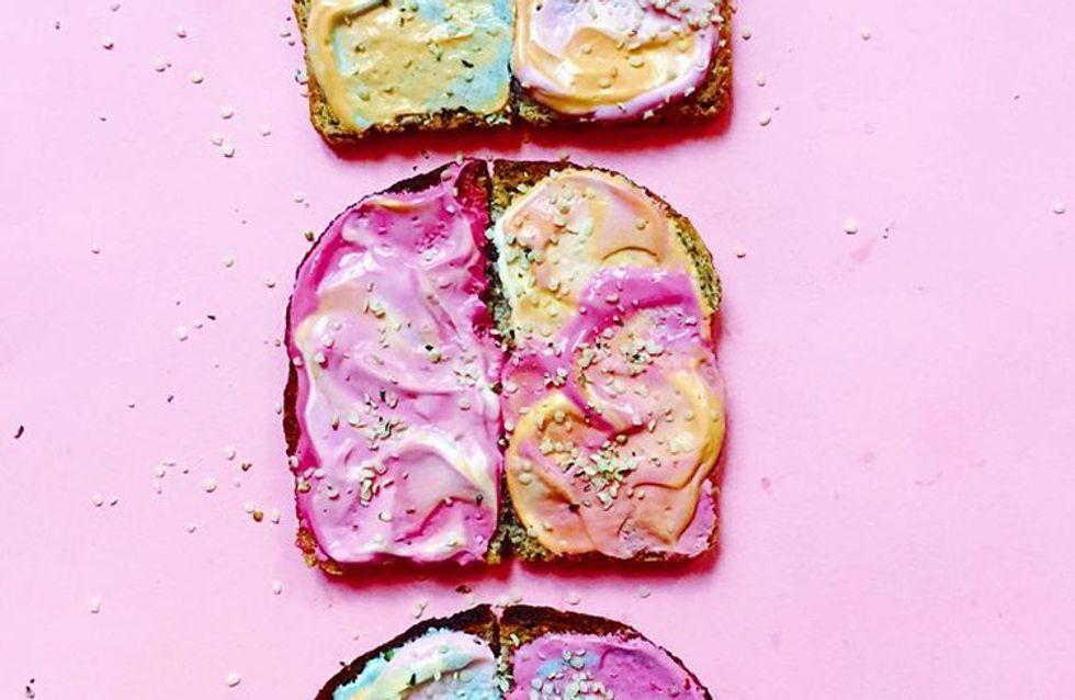 """Mermaid toast o la forma de hacer tus desayunos más """"instagrameables"""""""