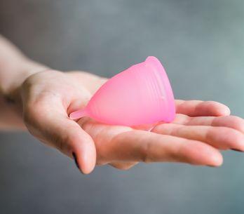 A Lille, distribution de coupes menstruelles pour les femmes sans-abri