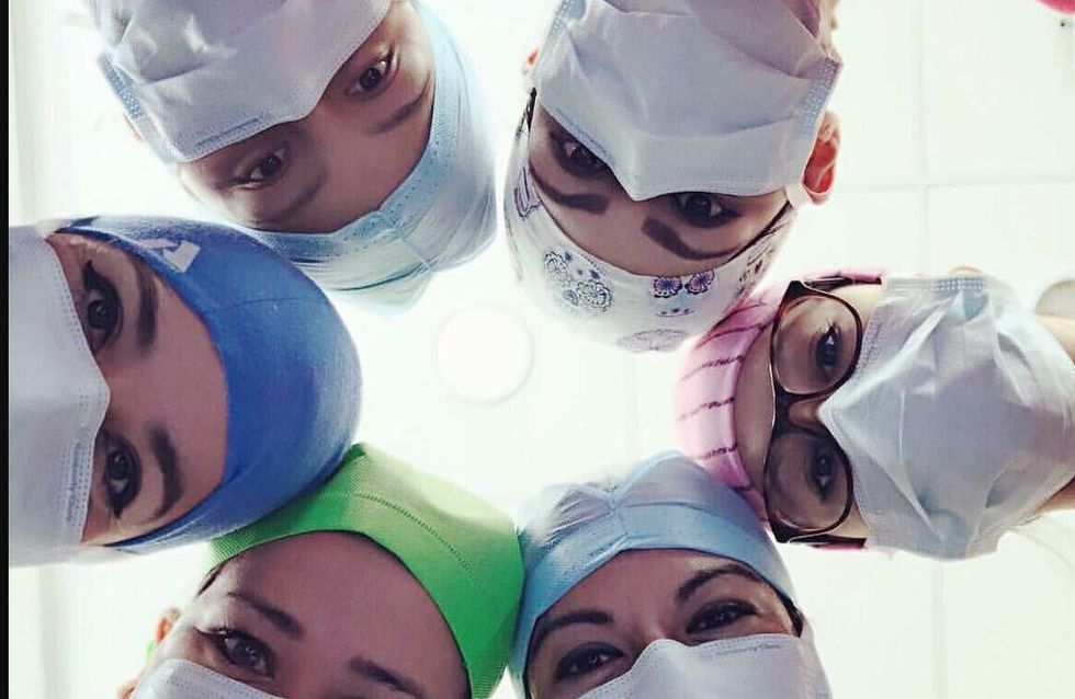 #ILookLikeASurgeon, les chirurgiennes envahissent Twitter pour la bonne cause (photos)