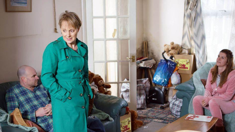 Coronation Street 10/05 - Sally Unwittingly Keeps Her Enemy Close