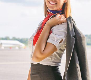 Si eres azafata de vuelo y engordas, te pueden bajar el sueldo