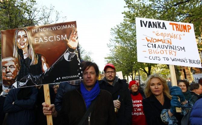 Des Berlinois militent contre Ivanka Trump lors de sa visite à Berlin