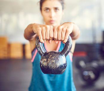 Kettlebells, ces petits poids qui suffisent à métamorphoser ton corps ! (workout