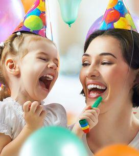 Auguri per la festa della mamma: le frasi più divertenti e celebri da dedicarle