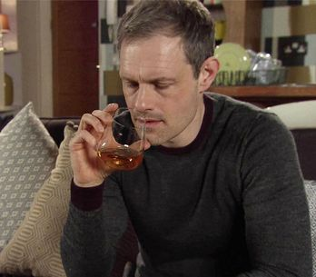 Coronation Street 17/05 - Bitter Nick Puts Leanne On The Spot