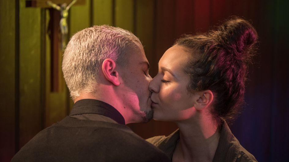 Hollyoaks 15/05 - Joel Kisses Cleo