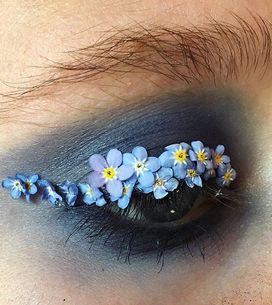 Las flores inundan el maquillaje de ojos