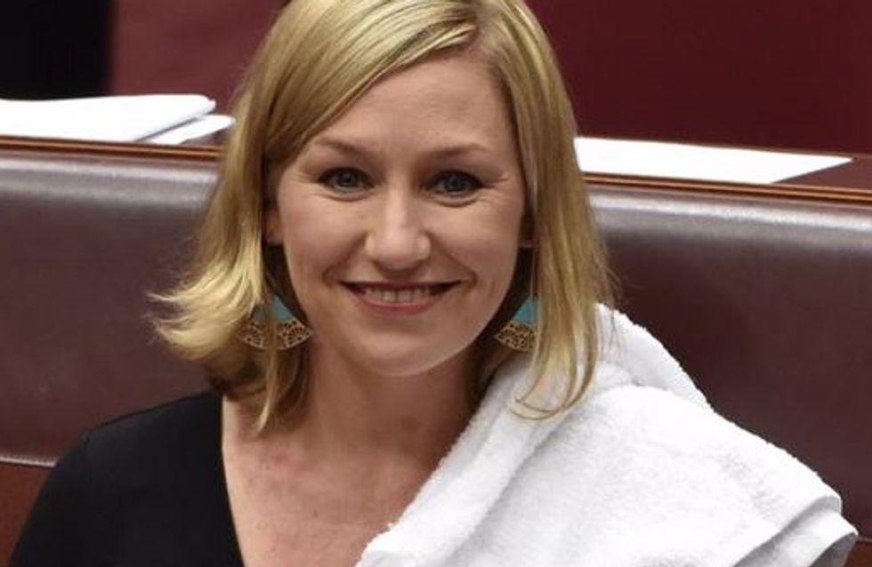 Elle devient la première sénatrice australienne à allaiter son bébé au Parlement